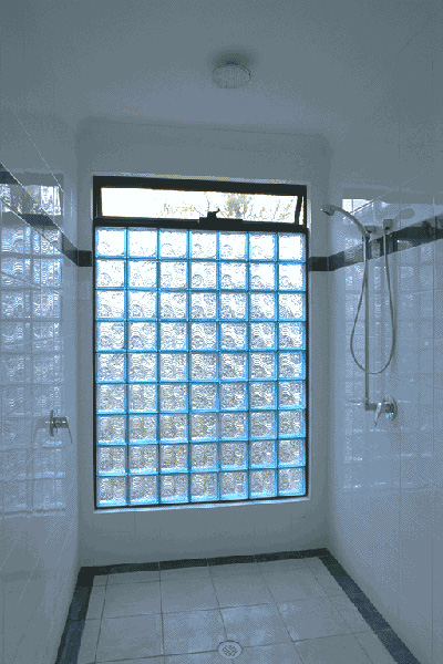 Vented Welle Blue Shower Wall